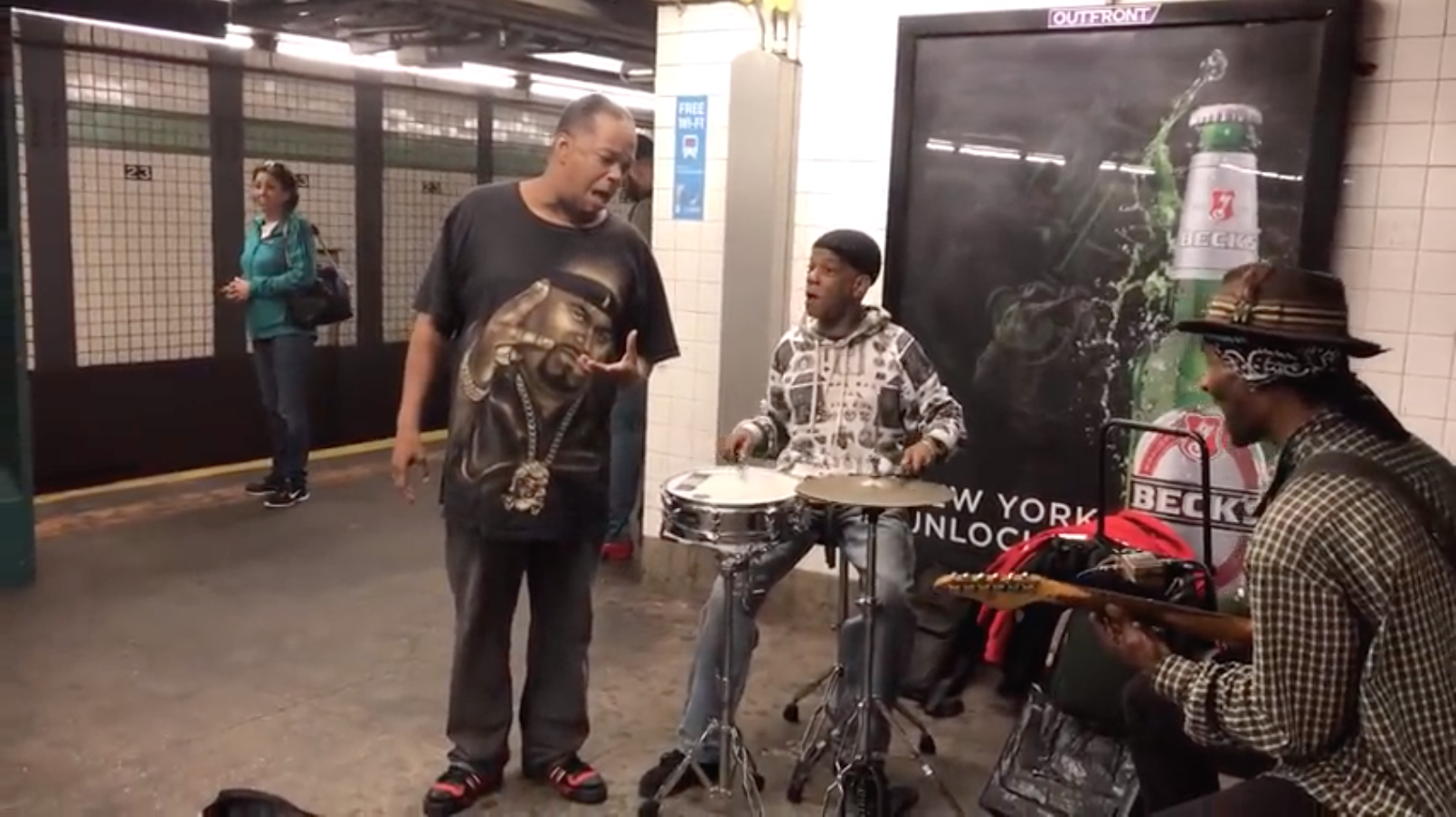 Subway Performer Mike Yung Sings to Baby – If You Don't Know Me By Now